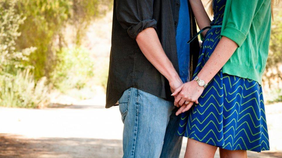 Παντρεμένη αλλά χωρίς ραντεβού